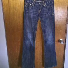 Miss me jeans sz 28 boot cut Miss me jeans sz 28 boot cut has slight wear on bottom Miss Me Jeans Boot Cut