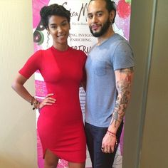 Beauty Blogger #SunKissAlba with celebrity hairstylist Cesar Ramirez posed together at the #SheaMoisture suite at Hispanicize 2015! #CrownBraid #Latinos #Hispz15