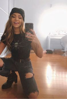 Read C a s t from the story The New Girl by _silvia_a_ (YEET) with reads. Andrea Russett as Raven Martinez Skater Girl Outfits, Tomboy Outfits, Tomboy Fashion, Retro Outfits, Grunge Outfits, Cute Casual Outfits, Streetwear Fashion, Cute Concert Outfits, Beanie Outfit