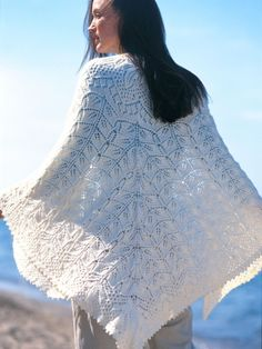 Free Pattern - This gorgeous shawl is a rewarding knit, a timeless piece that will indeed become an heirloom. #knit #shawl