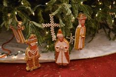 Much Ado About Somethin: Chrismons made to look like wise men.