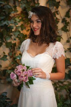 Wedding dress: Luna - Chic and elegant - Wedding Dresses Paris Elsa Gary . Casual Wedding Gowns, Wedding Dresses Photos, Princess Wedding Dresses, Elegant Wedding Dress, Bridal Poses, Weeding Dress, Beach Wedding Inspiration, Elsa, Wedding Beauty