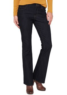 Jeans Dunkle Bluejeans mit leichter Waschung. Klassische 5-Pocket-Jeans mit Reißverschluss. Kontrastierte, 2-farbige Nähte. Figurbetonte Passform Bellboot mit leicht vertiefter Bundhöhe, schmalem Oberschenkel und stark ausgestelltem Beinverlauf für eine besonders feminine Silhouette. Denim aus leichtem Baumwollmix. Die Schnittform betont gekonnt die feminine Figur und kommt am besten mit Stiefe...
