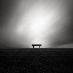 """""""Szukam cię zawsze, choć wiem, że nie znajdę, tęsknie do ciebie, choć wiem, że cię nie ma, idę za tobą, choć wiem, że nie zajdę do twego domu, ścigam cię oczyma, choć cię nie widzę, choć wiem, że cię nie ma."""" Kazimierz Przerwa Tetmajer"""