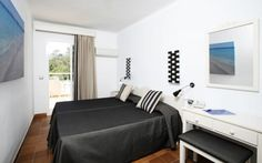Room Laundry Service, Suites, At The Hotel, Front Desk, Guest Room, Terrace, Family Room, Couch, Bahia
