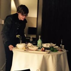That time Miles rolled in with room service because everyone knows food = love.   Community Post: 17 Times Mae Whitman And Miles Heizer Were Your Ultimate Friendship Goals