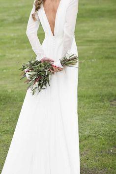 Ataques al corazón Mi Valentín Miguel Crespí # # Crespí # Hochzeitskleid Cheap Wedding Dress, Boho Wedding Dress, Bridal Dresses, Wedding Looks, Dream Wedding, Long Sleeve Wedding, Bridal Style, Dress To Impress, Wedding Styles