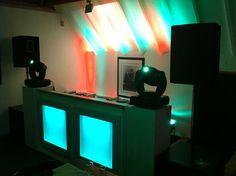 Drive-in show A+ inclusief steigerhout LED-meubel. Dit keer bij de Twee Gebroeders in zaal Ons Pa & Ma te Etten-leur.