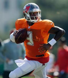 Jameis Winston, Tampa Bay Buccaneers Buccaneers Football, Tampa Bay Buccaneers, American Football, Football Team, Football Helmets, Tnt Sports, Sports Jerseys, Sports Logos, Nfc South