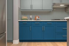 Deep Blue Gulf and pale grey cupboard paint with pale grey tiles Grey Kitchen Cupboards, Upper Cabinets, Kitchen Paint, Grey Tiles, Painting Cabinets, Interior Design Kitchen, Colorful Interiors, Kitchen Remodel, Deep Blue