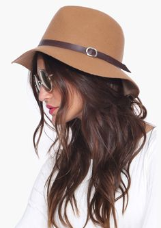 Tan hat for autumn - pair with riding boots and a sweater and you are all set!
