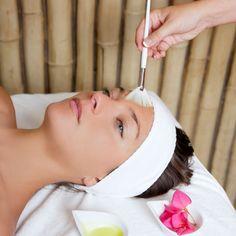 Oliva Nova Wellness Spa pone a tu disposición los mejores tratamientos profesionales de belleza. Personalizamos los tratamientos faciales para adaptarlos a las necesidades únicas y específicas de cada tipo de piel. Y nuestro personal, altamente cualificado, mimará tu piel con SKININC, la firma de cosmética japonesa experta en tratamientos no invasivos con Oxígeno. Abrimos todos los días de la semana de 9:00 a 21:00h. Tel +34 96 285 79 73 - mail spa@olivanova.com