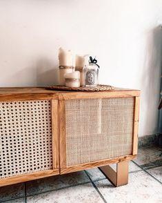 Deco Furniture, Furniture Makeover, Tv Cabinets, Living Room Interior, Interior Inspiration, Rattan, Sweet Home, Room Decor, Indoor