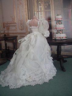 Bridal Mannequin - Sharon Maggott's Mini's