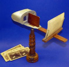 c.1901 Purpose: To view double sided Gilded Age Images.  Underwood Pedestal 3D Stereoviewer Stereocard Stereoscope Stereopticon