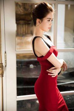 Đầm body 2 dây rớt vai đẹp như ngọc trinh