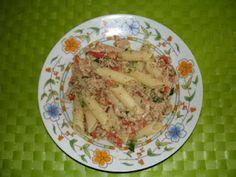 Penne, pomodorini pachino e tonno in crema di zucchine