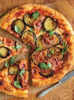 Ricardo& recipe : Eggplant and Pancetta Pizza Eggplant Pizza Recipes, Eggplant Pizzas, Zucchini Pizzas, Veggie Pizza, Turkey Pizza, Aubergine Pizza, Garden Vegetable Recipes, Pizza Buns, Pizza Pizza