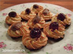 kransekage-8 Marzipan, Dessert Recipes, Desserts, Fudge, Fondant, Waffles, Cupcake, Sweets, Baking
