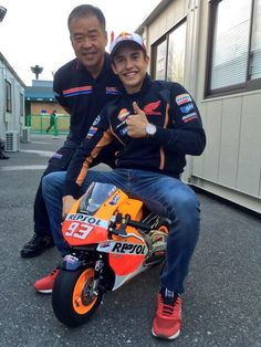 Marquez' new 2015 bike. ;-p and HRC boss Shuhei Nakamoto