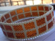 zia lola beads it: Bangle in peyote stitch