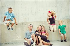 Awesome fun idea for big families with older kids. Parents sitting kids jumping around. Family Posing, Family Portraits, Outdoor Family Photography, Photography Ideas, Fall Family Photos, Family Pictures, Kid Poses, Maternity Pictures, Photo Sessions