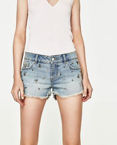 19,95 EUR SHORT À INCRUSTATIONS de Zara