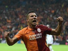 Lukas Podolski slams Jose Mourinho's treatment of Bastian Schweinsteiger