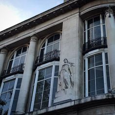 via Look Up London™ @Look_UpLondon sculpture on the side of the Whiteleys building in Bayswater