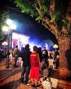 Una bellissima festa questa sera ad #aielli ed una bellissima #tuta #giallorossa #asroma #roma #totti #beautiful #picture #picoftheday #photography #photooftheday #followme #follow #follow4follow #night #colors
