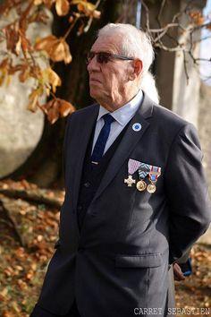 Commémoration du 11 novembre 2015 à FRANOIS. Le chant des fleurs tenait à remercier nos anciens combattants et pour cela nous avons envoyer notre photographe afin d'immortaliser cet événement. http://ift.tt/1HyCYJA le chant des fleurs à Franois 03.81.53.66.17 http://ift.tt/1PuTFXf