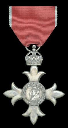 M.B.E. (Civil) Member's 2nd type breast badge, awarded to Chief Officer L. Vernon, Merchant Navy in 1943.