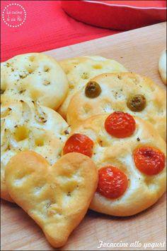 Non c'è settimana che inizi senza che io dica - o almeno pensi - 'Basta, da questa settimana meno carboidrati!' Proclami che falliscono miseramente il martedì. Il problema è che a me (e mica solo a me, no?) il carboidrato piace proprio, non c'è niente da fa'. E neanche tanto la pasta, della quale posso anche fare a meno, non mi pesa onestamente, ma proprio pane e pizza, che sono anche peggio! E' solo che la soddisfazione che ti dà mangiare un pezzo di pizza o un po&#39...