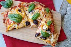 Low Carb Guilt Free Chicken Crust Pizza #Recipe http://www.surfandsunshine.com/guilt-free-chicken-crust-pizza-recipe/?utm_campaign=coschedule&utm_source=pinterest&utm_medium=Surf%20and%20Sunshine&utm_content=Guilt%20Free%20Chicken%20Crust%20Pizza%20Recipe