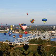 Natchez, MS  The Great Mississippi River Balloon Race