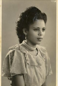 circa late 1930s-early 1940s