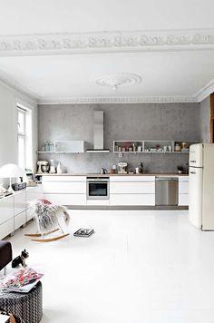 White kitchen with concrete wall Kitchen Interior, Kitchen Decor, Concrete Wall, Interior Design, Home Decor, Inspiration, Ideas, Furniture, Nest Design