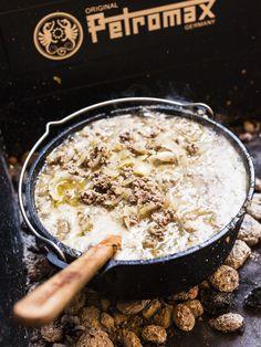 Rezept Dutch Oven Käse-Lauch-Suppe. Einfach, schnell und lecker.  Foto (c) Sabrina Dietz / purpleavocado.de