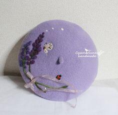 Sale 【受注製作】ラベンダーと白の蝶 てんとう虫 羊毛フェルトベレー帽|帽子|Cysan&Sunny handmade|ハンドメイド通販・販売のCreema