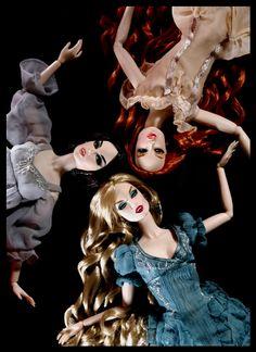 Dracula's brides dolls