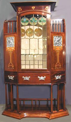 British Art Nouveau mahogany display cabinet, c.1900 William Morris, Belle Epoque, Art Nouveau Furniture, Art Nouveau Design, Arts And Crafts Movement, Leaded Glass, Glass Door, Glass Design, Interiores Design