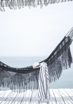 What a stylish hammock! Looks so relaxing! x
