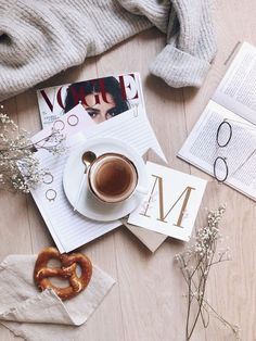 M Happy monday and good morning lovely people! Having a simple morning, because thats how everyone i Photography Ideas At Home, Object Photography, Photography Themes, Spring Photography, Flat Lay Photography, Book Photography, Book Flatlay, Flat Lay Inspiration, Aesthetic Objects