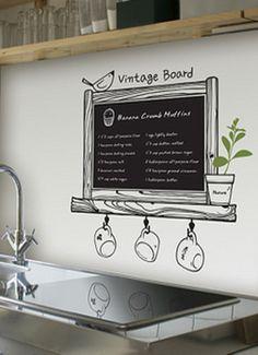 Vintage veggtavle Veggdekal med tavleoverflate. Du kan skrive på tavlen med kritt, og krittet fjernes med en våt klut. Påskriften på bildet er kun for illustrasjon, det står ingenting på tavlen du mottar. Kr 149,-