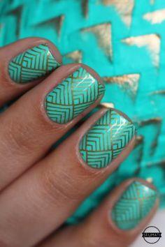 Makeup Ideas: Nail art Game of thrones VS nail art Pâques