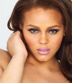 #ClippedOnIssuu desde PLUS Model Magazine: June 2012 Plus Size Supermodel Issue Featuring Lauren Veluvolu