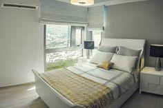 Decoración moderna de una habitación. Colores neutros y espacios amplios. #Room #Decoration