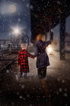 train snow, Christmas Photography, Polar Express, Polar Express photoshoot. Brothers, Photography, Kelli Packer Photography, Sibling photos.