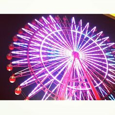 Instagram【chihiro.jh】さんの写真をピンしています。 《🎡💗💜❤💙❇✨✴ * * * 昨晩。閉店間際のお店でお買い物。  次女の傘を買いに🌂  しょっちゅう壊して帰ってくるのです~😩 小学生の間に何本買うのかな😅 * * #観覧車 #夜景 #ネオン #ferriswheel #관람차 #nightview #カラフル #colorful #夜 #今日も雨 #야경 #ゆるりigくらぶ #rainyday #写真撮ってる人と繋がりたい #instagood #igerjp #ptk_japan #love_nippon #japan_night_view #instagram》