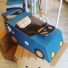 Un coche de cartón que mola muchísimo
